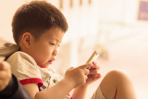 hoeveel schermtijd voor een kind