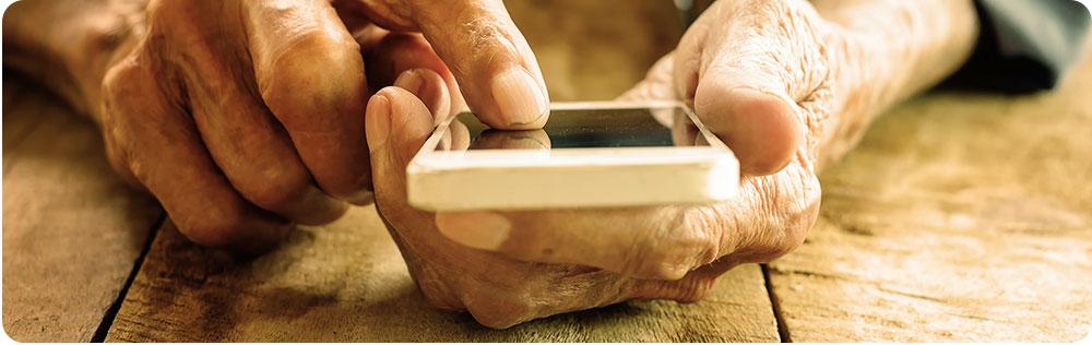 Ouderen Smartphone Vingers